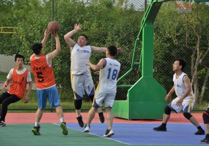 我队与电信公司开展台球、篮球友谊赛